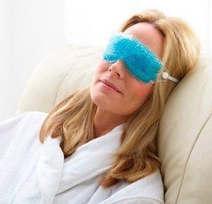el antifaz de gel perfecto para dormir y sobre todo como antiinflamatorio de los ojos